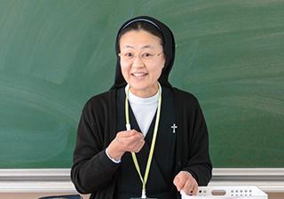 Sr.小粥先生/宗教